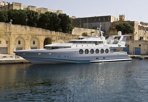 yacht celinedion permis bateau c tier hauturier fluvial. Black Bedroom Furniture Sets. Home Design Ideas
